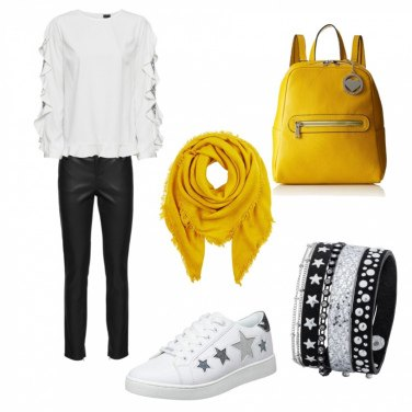 Outfit Yellow star