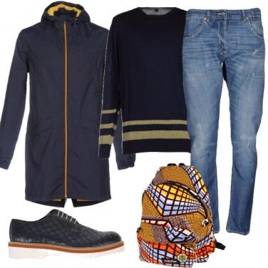 Outfit In motorino zaino e piumino