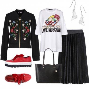 Outfit La felpa fiorita