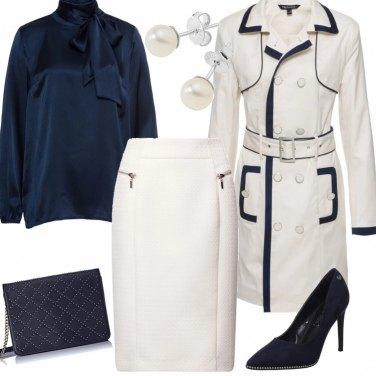 Outfit Elegante in blu e avorio