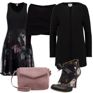 Outfit Curvy floreale