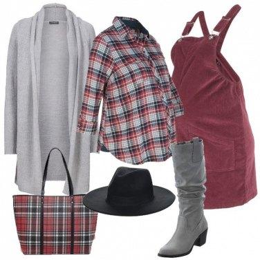 Outfit Salopette in velluto e scozzese
