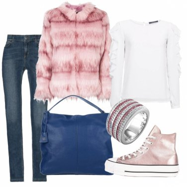 Outfit Sportiva in tonalità delicate