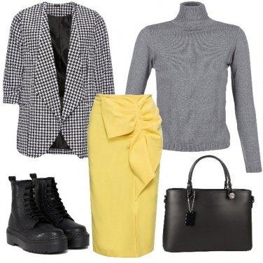Outfit Giallo, grigio e pied de poule
