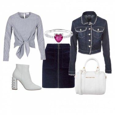 Outfit Petit in bianco e blu
