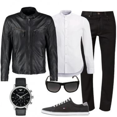 Outfit Essenziale e imprevedibile