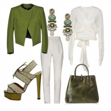 Outfit Bianco e verde oliva