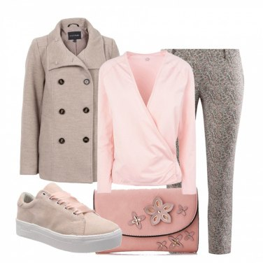 Outfit Romanticamente in snekers