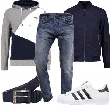 Outfit Felpa e jeans