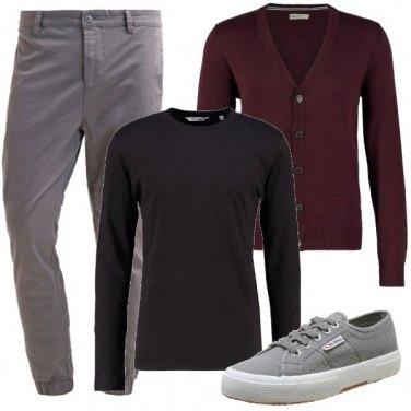 Outfit A colloquio con capi basici
