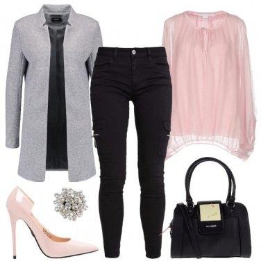 Outfit Un tocco di spilla
