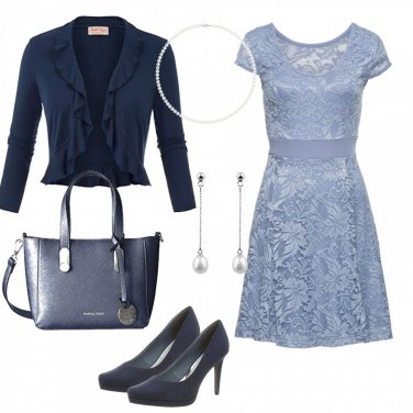 Outfit In blue...