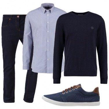 Outfit In camicia e pullover
