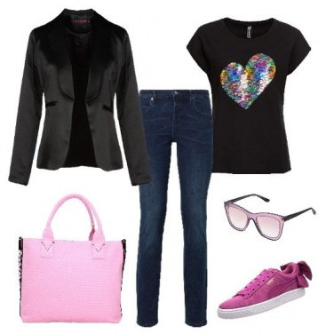 Outfit Sneakers e cuore