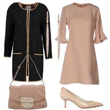 Outfit Bon ton in nero e rosa