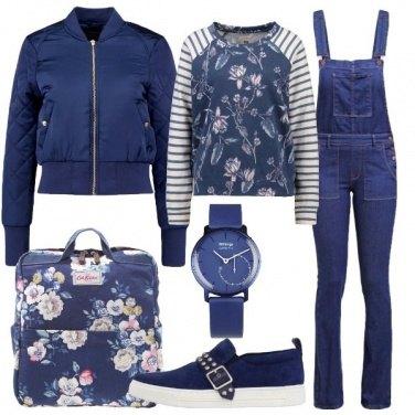 Outfit A lezione in blu