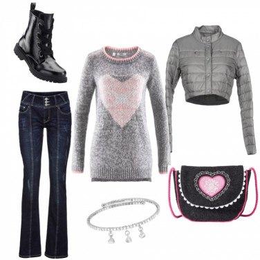 Outfit Jeans e maglia con cuore
