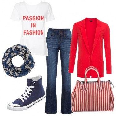 Outfit Blazer, t-shirt e shopper a righe