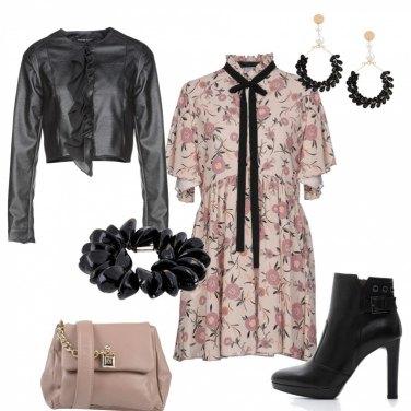 Outfit Romantica un po\' rock