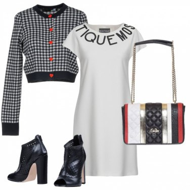 Outfit Bottoncini a cuore