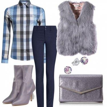 Outfit Ecopelliccia e camicia a quadri