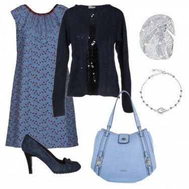 Outfit Romantico azzurro pastello