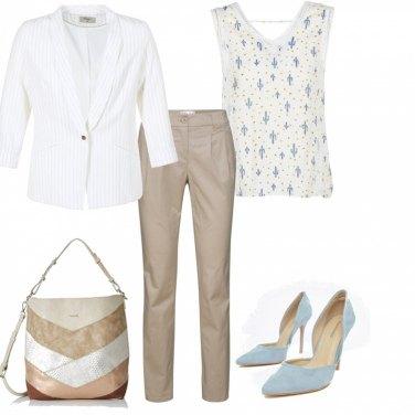 Outfit Colori tenui in ufficio