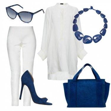 Outfit Fresco in bianco e blu