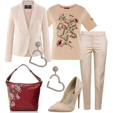 Outfit Bon ton e maxi orecchini a cuore