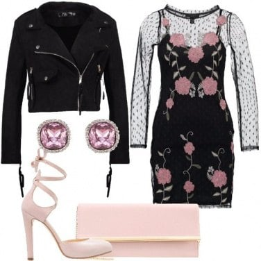Outfit Piccolo fiore sensuale