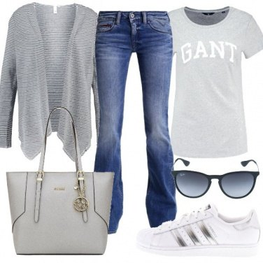 Outfit Casual in grigio