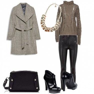 Outfit Basic, serata al pub