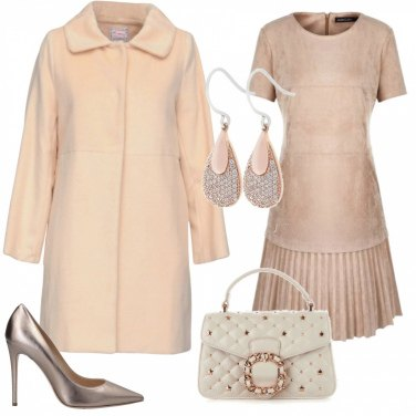 Outfit Abito beige: versione n.2