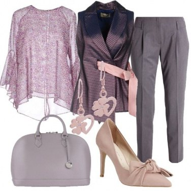 Outfit Grintosa in toni delicati
