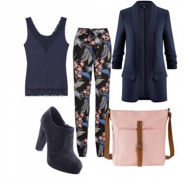 Outfit Blu rosa e fiori