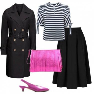Outfit Trench e dettagli fuxia