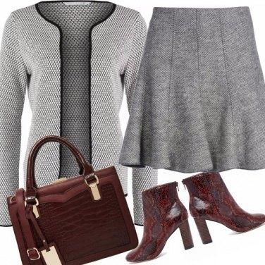 Outfit Coloriamo il grigio?