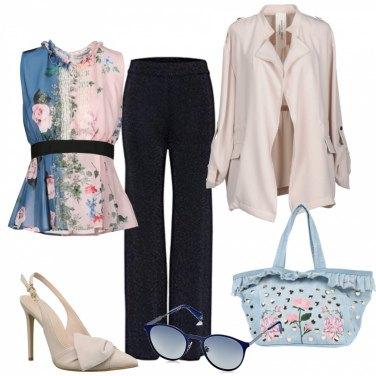 Outfit Fiori sulla blusa e sulla borsa