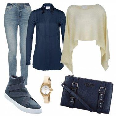Outfit Basic con tracollina e cappa