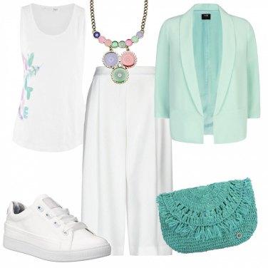 Outfit Basic colori delicati