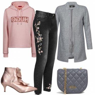 Outfit Felpa e cappotto
