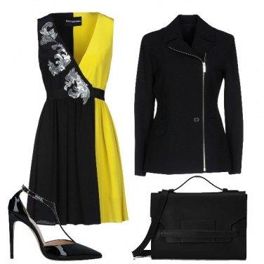 Outfit Metà giallo metà nero