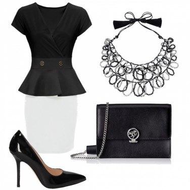 Outfit Semplice in bianco e nero