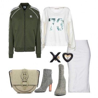 Outfit Sportswear e abbigliamento formale