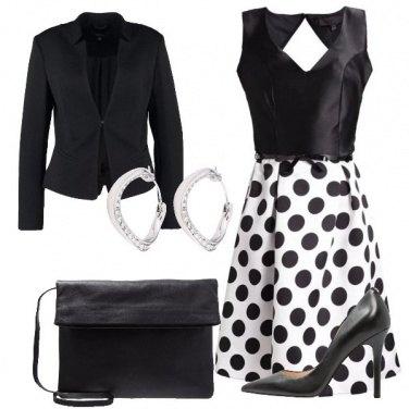 Outfit Elegante con i pois
