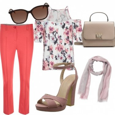 Outfit Eleganza floreale