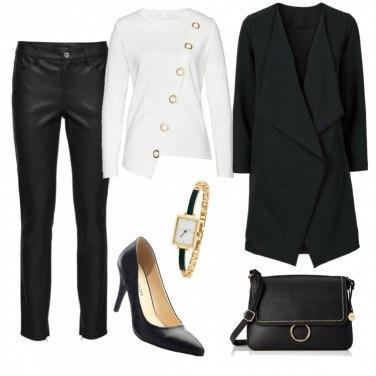 Outfit Maglia asimmetrica