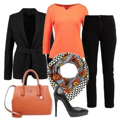 Outfit Tacchi e arancio