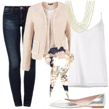 Outfit Ispirandosi a lei