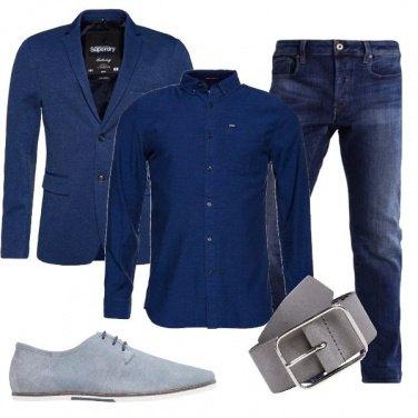Outfit Un blu particolare